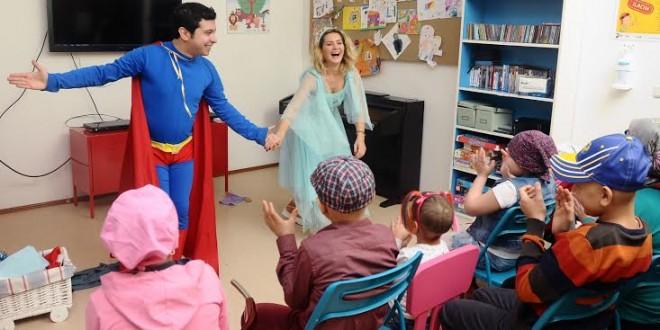 Yeni Yılı Hastanede Karşılayacak Miniklere Moral Tiyatrosu