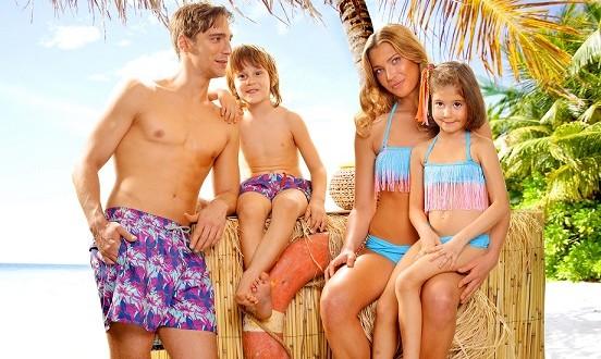 """Bu Yaz Plajlara """"Aile Boyu Şıklık"""" Damgasını Vuracak"""